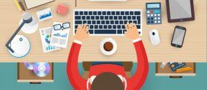 bandeau illustration d'un apprenti ingénieur sur son ordinateur à son bureau
